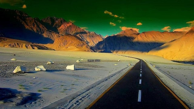 Roads of Pakistan, where you should drive once in a life time!