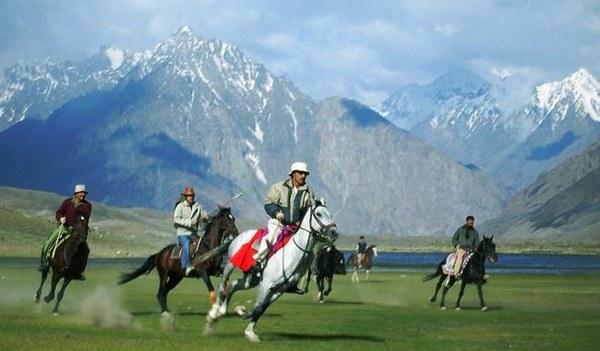 Shandur Top Travel Guide