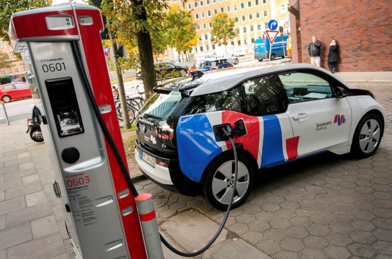 Electric Cars to Hit Road in Pakistan Soon